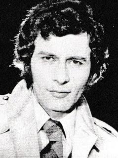 """Actorul Paul Avram, care a interpretat rolul lui Haralamb in """"Toate panzele sus"""", a murit la varsta de 80 de ani"""
