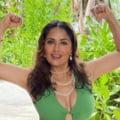 Actrița Salma Hayek, strălucitoare în costum de baie, la 55 de ani. Imaginea de adolescentă cu care și-a serbat ziua de naștere FOTO