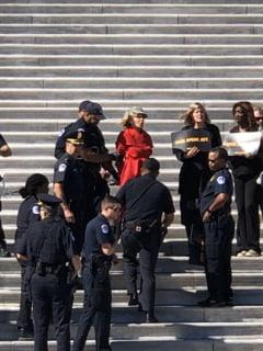 Actrita Jane Fonda a fost arestata in timpul unui protest (Video)