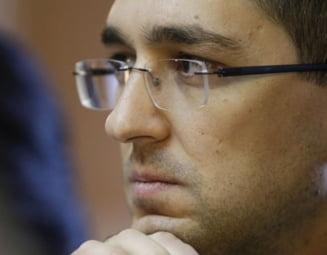 """Acuzație extrem de gravă a lui Vlad Voiculescu: """"4.000 de teste pozitive din zilele de 23, 24, 25 septembrie nu au apărut în cifrele oficiale"""""""