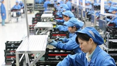 Acuzatii grave pentru Samsung: Angajati minori, ture de peste 12 ore