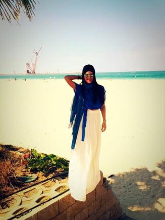 Adelina Pestritu, frumusete rapitoare pe o plaja din Dubai (Foto)