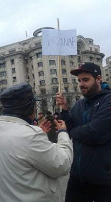 "Adevarata poveste a pancartei ""I love Anaf"", care a infuriat Antena 3 si pe fanii ei"