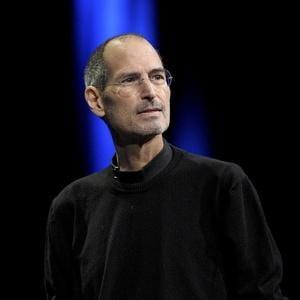 Adevaratul tata al lui Steve Jobs vrea sa isi cunoasca fiul aflat pe patul de moarte