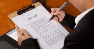 """Adevarul despre """"infloriturile"""" din CV - e ok sa fentam angajatorul?"""