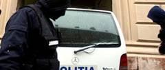 Adjunctul vamii din Sibiu si un politist, retinuti pentru implicare intr-o afacere cu parfumuri si tigari de contrabanda