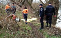Adolescenta omorata cu 15 lovituri de cutit. Ucigasul are 16 ani si dupa crima si-a abandonat victima intr-o padure