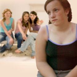Adolescentele grasute fac sex mai devreme