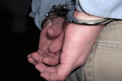 Adolescenti din Marginea suspecti de furtul unui autoturism din curtea unui imobil nelocuit