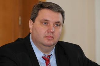 Adrian Duicu, fostul sef al CJ Mehedinti, a fost condamnat la un an si sase luni de inchisoare cu suspendare