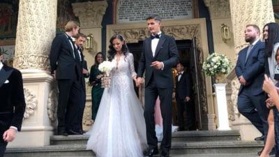 """Adrian Năstase, iritat de """"reziști"""" pe Facebook. Val de comentarii acide la nunta fiului său: """"Casa de piatra cu termopane de la mătușa Tamara!"""""""