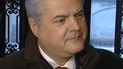 Adrian Nastase: Demisia parlamentarilor nu e o solutie