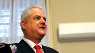 Adrian Nastase: Romania trece printr-o criza politica - USL nu are opozitie