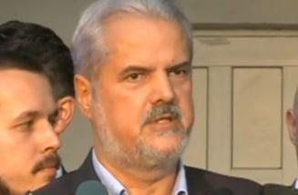 Adrian Nastase, dupa eliberare: Pledoarie pentru alegeri anticipate, legea gratierii si amnistie fiscala