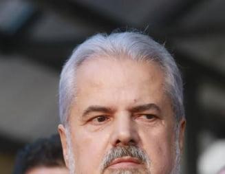 Adrian Nastase, ironii cu jurnalistii dupa eliberare: Nu mai vorbesc pe gratis