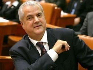 Adrian Nastase, mai putine zile in inchisoare - i s-a redus pedeapsa