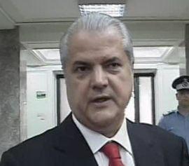 Adrian Nastase vrea alegeri anticipate in toamna