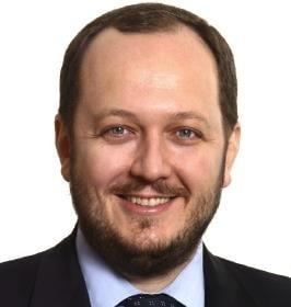 Adrian Papahagi: Udrea are dreptate, a venit timpul sa votam o doamna. Pe Monica Macovei