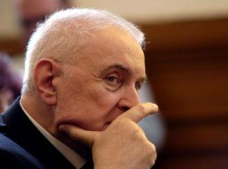 Adrian Vasilescu implineste 74 de ani