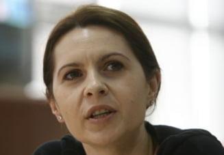 Adriana Saftoiu: Preda si Baconschi sunt mai fiorosi cu PDL decat cu USL