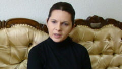 Adriana Saftoiu o apara pe Udrea: Clarificarea problemelor se opreste la dunga de la bikini