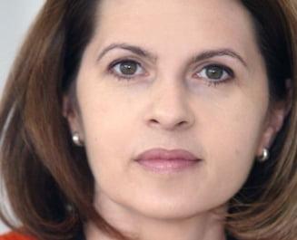 Adriana Saftoiu propune o lege prin care manualele scolare sa fie acordate gratuit