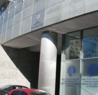 """Adriean Videanu si Ioan Niculae au fost trimisi in judecata in dosarul """"Gaze ieftine"""""""