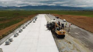 """Aeroportul construit cu mare viteza in Tinutul Secuiesc. """"Primul avion ar putea decola de aici chiar in 2021"""""""