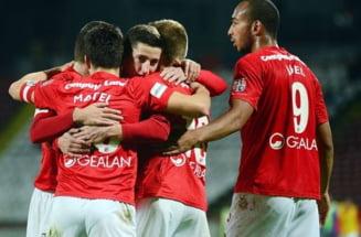 "Afacere bomba in vara. Steaua vrea sa-i ""fure"" trei jucatori lui Dinamo: ""Ii cumparam!"""