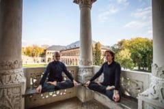 Afla cum poti deveni instructor international de yoga!