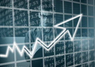 """Agentia de rating Standard & Poor's a anuntat imbunatatirea perspectivei de la """"negativ"""" la """"stabil"""" aferenta ratingului acordat datoriei guvernamentale a Romaniei"""