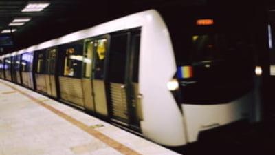 Aglomeratie la metrou, dupa ce un tren s-a defectat la statia Tineretului