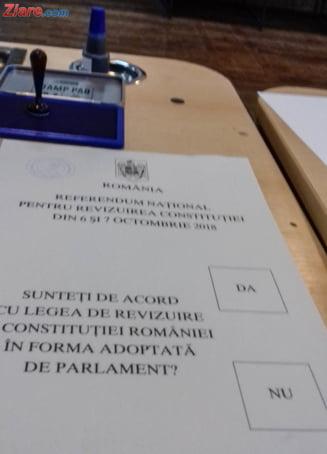Aglomeratie la urna mobila de referendum: A fost ceruta de peste 25 de mii persoane. Judetele fruntase
