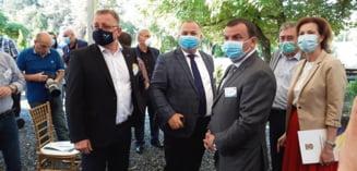 Agricultura romaneasca, model de referinta pentru cea europeana. Ministrul Oros, la Universitatea de Stiinte Agricole Timisoara: Trebuie sa ii sprijinim cumva pe fermieri