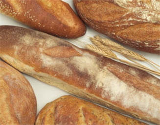 Agrostar: Pretul painii ar trebui redus cu 30%