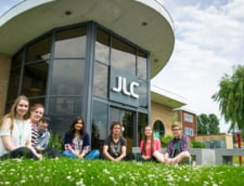 Ai sansa sa stralucesti si sa fii rasplatit cu o Bursa John Leggott College, UK, 2019