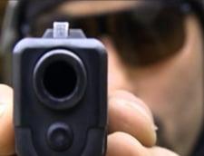 Alarmant: Tot mai multi romani detin arme de foc