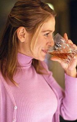 Alcoolul cauzeaza cancer, e oficial