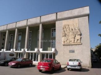 Alecsandristii isi vor desfasura orele de curs la Biblioteca Judeteana Gh. Asachi. Cele mai bune optiuni de cariera, prezentate elevilor