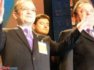 Alegeri PD-L: Boc a cerut delegatilor sa aplaude in picioare conducerea partidului