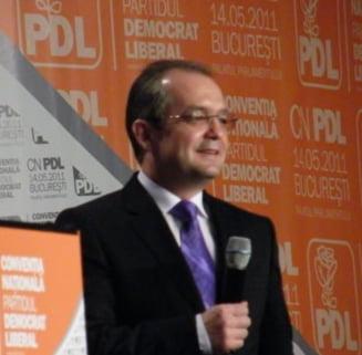 Alegeri PD-L: Emil Boc a castigat categoric din primul tur - Vezi reactii