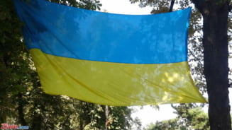 Alegeri cruciale in Ucraina: Un actor de comedie si Petro Poroshenko merg in turul doi (exit poll)