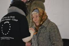 Alegeri parlamentare 2012: Nameti, incidente, prezenta mica, Basescu si maghiarii