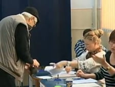 Alegeri prezidentiale 2014: Au votat un veteran de 103 ani si o femeie de 100