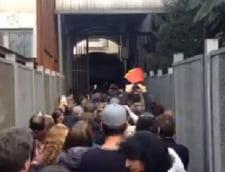 "Alegeri prezidentiale 2014: La Consulatul din Torino s-a scandat ""Hotii!"" (Video)"