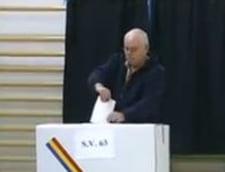 Alegeri prezidentiale 2014: Romanii ies masiv la vot. Peste 8 milioane au votat pana la 16:00