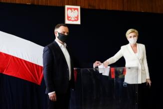 Alegeri prezidentiale in Polonia. Exit poll: presedintele in exercitiu, Andrzej Duda, a obtinut majoritatea voturilor