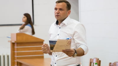 Alegerile pentru Chisinau au fost invalidate. Dodon jubileaza, iar USR sustine ca asta se intampla cand coruptia e regula