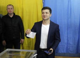 Alegerile prezidentiale din Ucraina au fost castigate de un actor de comedie cu peste 73% din voturi - exit poll