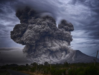 Alerta aeriana in Indonezia. Vulcanul Sinabung a erupt din nou